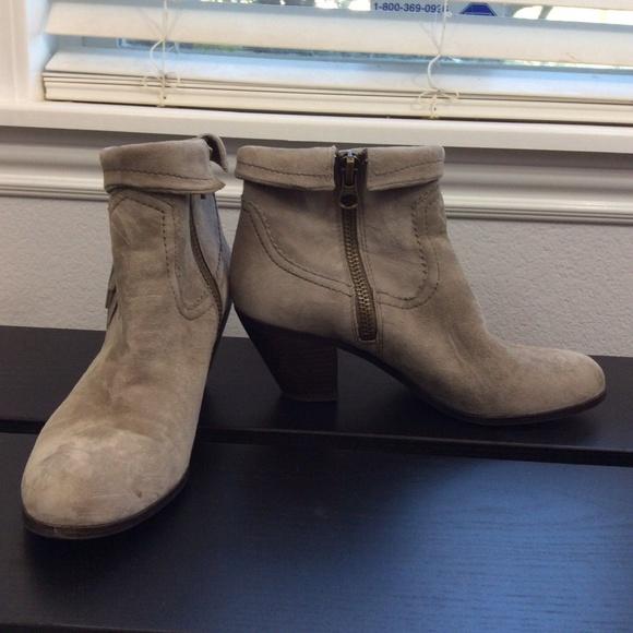 aafa1a16304c6 Sam Edelman Shoes - SAM EDELMAN Leather Heeled Fringe Louie Bootie